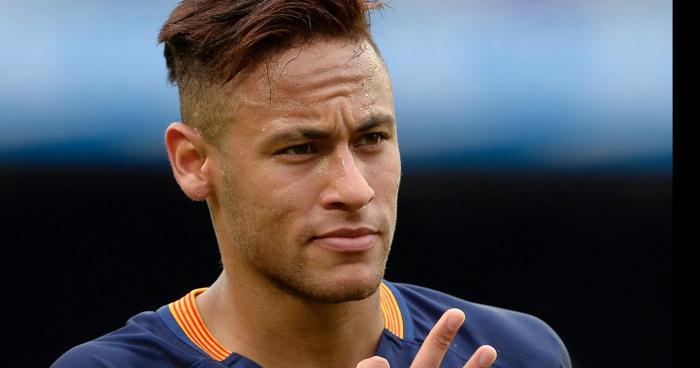 Neymar à signé ! !!!!!!!!!!!!