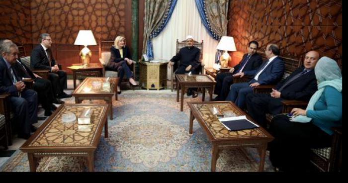 Marine Le Pen en visite au Caire revient avec une fatwa.