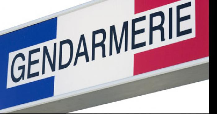 Les gendarme caillassé sur la place de la comédie a Montpellier