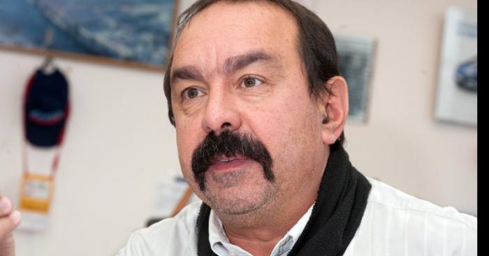 Martinez de la CGT menace de se raser la moustache si la Loi Travail passe