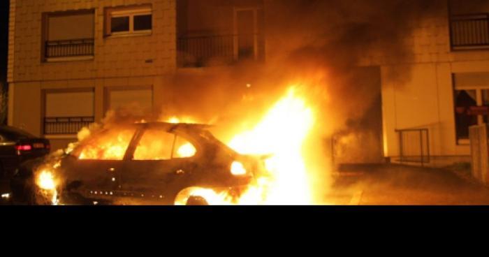 Seine-et-Marne : Un homme enlèvé en pleine rue et criblé de balle dans une voiture en feu