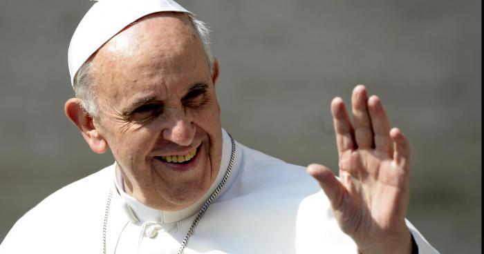 Le Pape veut changer la date de Noël
