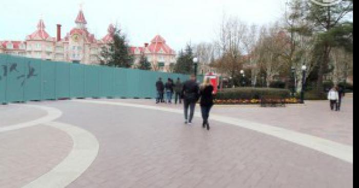 Disneyland Paris récompensé par le Guiness Book pour la plus longue palissade
